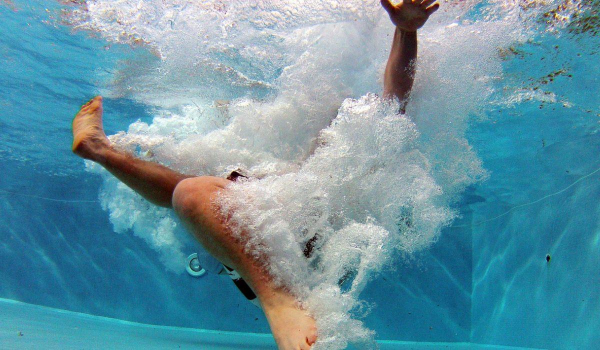 Prolonger votre plaisir de baignade avec un abri pour spa pas cher